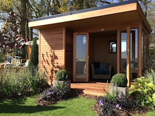 The Oxford Contemporary Summerhouse:  Garden by Chelsea Summerhouses Ltd