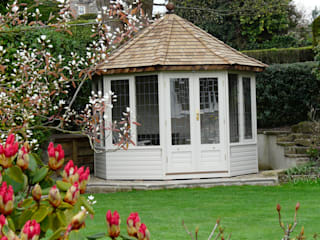 Thw Wraysbury Summerhouse:  Garden by Chelsea Summerhouses Ltd