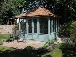 http://www.chelseasummerhouses.co.uk/:  Garden by Chelsea Summerhouses Ltd