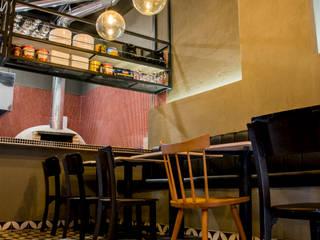 :  de estilo  por CASA DINAMICA | Arquitectos de Interiores | Bogotá