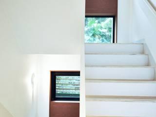 Nomad Office Architects 覓 見 建 築 設 計 工 作 室 Tangga Kayu White
