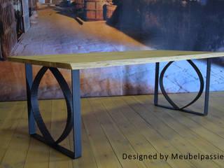 Industriële tafel Tjonger van Meubelpassie Industrieel