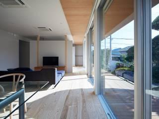 Livings de estilo asiáticos de 一級建築士事務所 株式会社KADeL Asiático