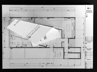 사무실 인테리어: (주)건축사사무소 예인그룹의  바닥