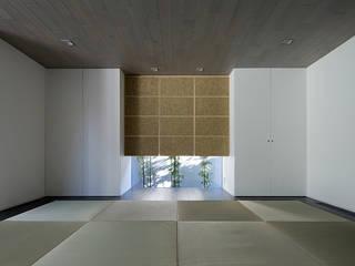鎌倉 長谷の家: 松岡淳建築設計事務所が手掛けた和室です。,
