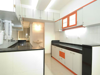 Interior:  Kitchen by Samruddhi Interiors