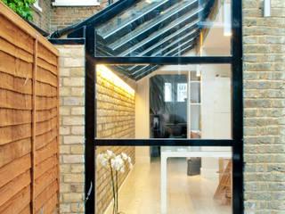 Burnfoot Avenue:  Detached home by Guarnieri Architects