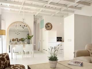 Loft en el barrio de Salamanca: Cocinas de estilo  de Natalia Ibáñez