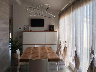 غرفة المعيشة تنفيذ SPAZIODABITARE architects, حداثي