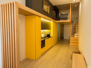 APARTAMENTO PEIXOTO: Armários de cozinha  por Nuno Ribeiro arquitecto,Moderno