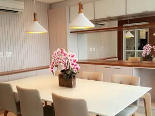 ICONO Projetos e Interiores Ruang Makan Modern