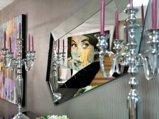 Pormenor espelho : Salas de jantar  por EMME Atelier de Interiores