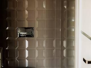 Mieszkanie dwupoziomowe Nowoczesna łazienka od AMI INTERIOR Projektowanie Wnętrz Nowoczesny