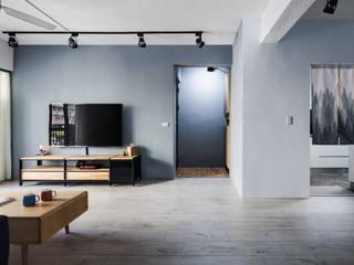 Phòng khách phong cách tối giản bởi 築室室內設計 Tối giản