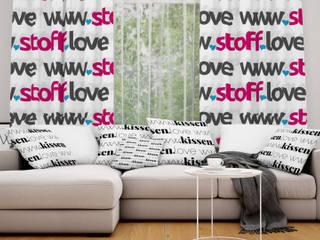 Mit Stoffen in Wunschfarben das eigene Zuhause verschönern!:  Wohnzimmer von www.Stoff-Schmie.de .:. Becker & Karsten UG (haftungsbeschränkt)