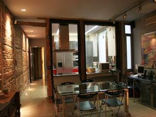 Casa 01M Comedores de estilo industrial de carjaresa Industrial