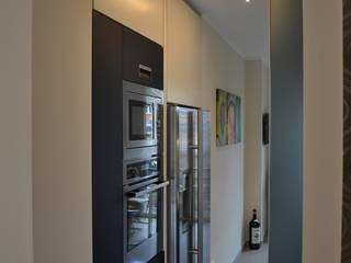 .......nero......: Cucina in stile  di arclinearoma