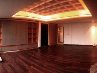 Providence Apartment Unit 11B:  Kamar Tidur by Lukemala Creative Studio