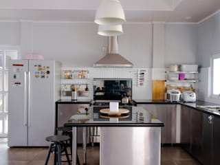 Kitchen // i45 House:  Dapur by Lukemala Creative Studio