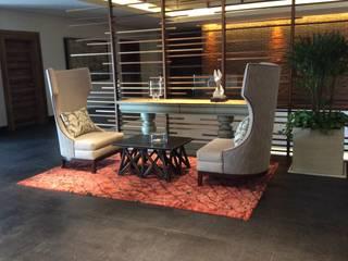 Sala de estar. Galeria Sofia Vestíbulos, pasillos y escalerasSillones Madera
