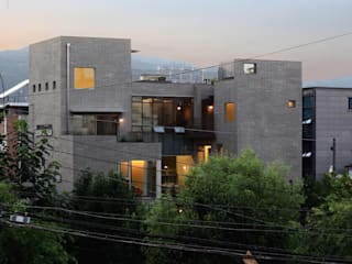 Multi-Family house by kimapartners co., ltd.