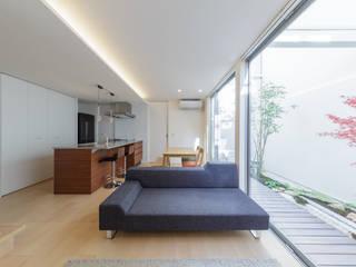 Livings de estilo moderno de 一級建築士事務所 株式会社KADeL Moderno