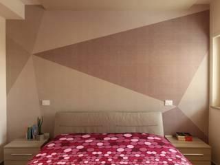 ISPIRAZIONI SCANDINAVE: Camera da letto in stile  di Studio di Progettazione e Design 'ARCHITÈ',