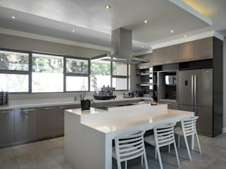 Kitchen:  Kitchen by Dessiner Interior Architectural