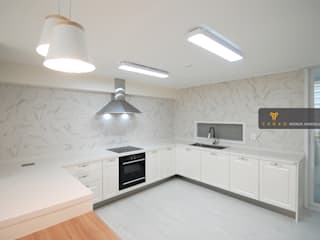 Modern Kitchen by 얀코인테리어 Modern