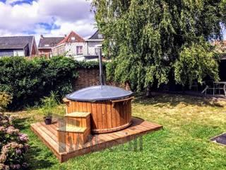 Idromassaggio esterno elettrico Wellness conico: Spa in stile in stile Scandinavo di TimberIN vascaidromassagio - sauna