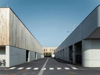 Complesso d'uffici moderni di Fabrice Commercon Moderno