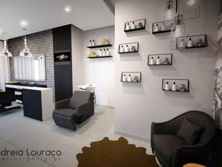 Barbearia: Escritórios e Espaços de trabalho  por Andreia Louraço - Designer de Interiores (Contacto: atelier.andreialouraco@gmail.com)