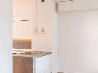 Umbau und Kernsanierung eines Wohnhauses in Mannheim:  Küche von Hage Architektur