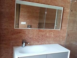Vijay Kochhar Residence Modern bathroom by Sion Projects Modern