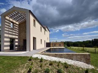 Casa MVDS di GIORGIO BALESTRA ARCHITETTO Moderno