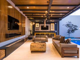 Terraza con Cantina-Bar y Asador Balcones y terrazas modernos de René Flores Photography Moderno