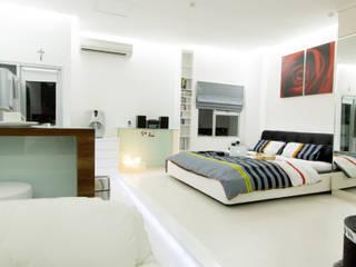 LIVING THE OPEN PLAN APARTMENT @ SEASON CITY, WEST JAKARTA:  Kamar Tidur by PT. Dekorasi Hunian Indonesia (DHI)