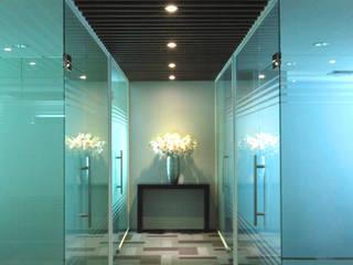 Espaces de bureaux modernes par PT. Dekorasi Hunian Indonesia (DHI) Moderne
