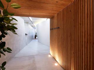 Escaleras de estilo  por 一級建築士事務所 株式会社KADeL, Moderno