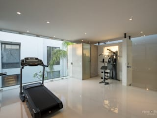 Modern gym by René Flores Photography Modern