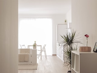 Home staging - Living: Ingresso & Corridoio in stile  di Made with home