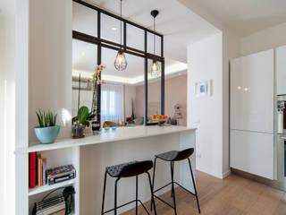 MAT architettura e design Moderne Küchen