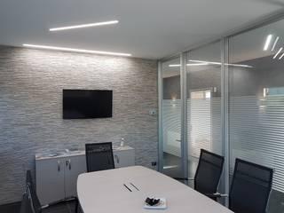 Modern style study/office by Luxelt Modern
