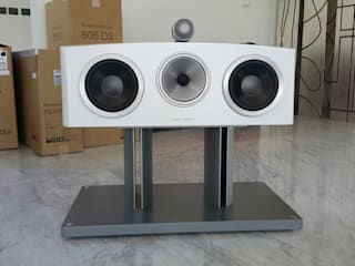 Audio Residencial Salas multimedia modernas de Custom Control Moderno