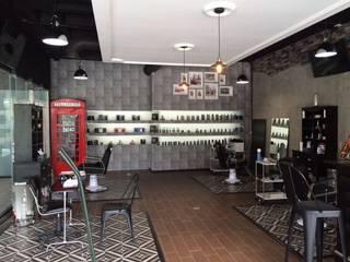 Area de barbería: Espacios comerciales de estilo  por INTERIORISIMO