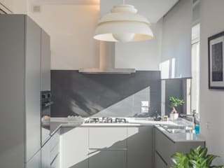 Casa G+R Cucina moderna di manuarino architettura design comunicazione Moderno