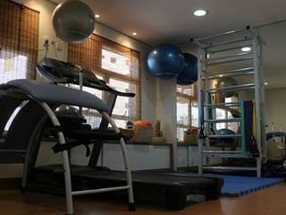 Clinica de acupuntura e pilates: Fitness  por Thais Ruiz Arquitetura e Interiores,Asiático