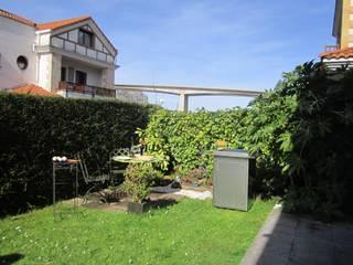 Jardín con JAKISU:  de estilo  de Jakisu