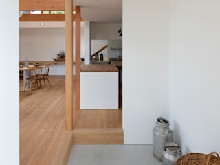 arbol Koridor & Tangga Minimalis White