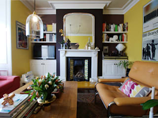 Classic/Modern style mix ALCOVES: modern Living room by Freebird Fitted Furniture